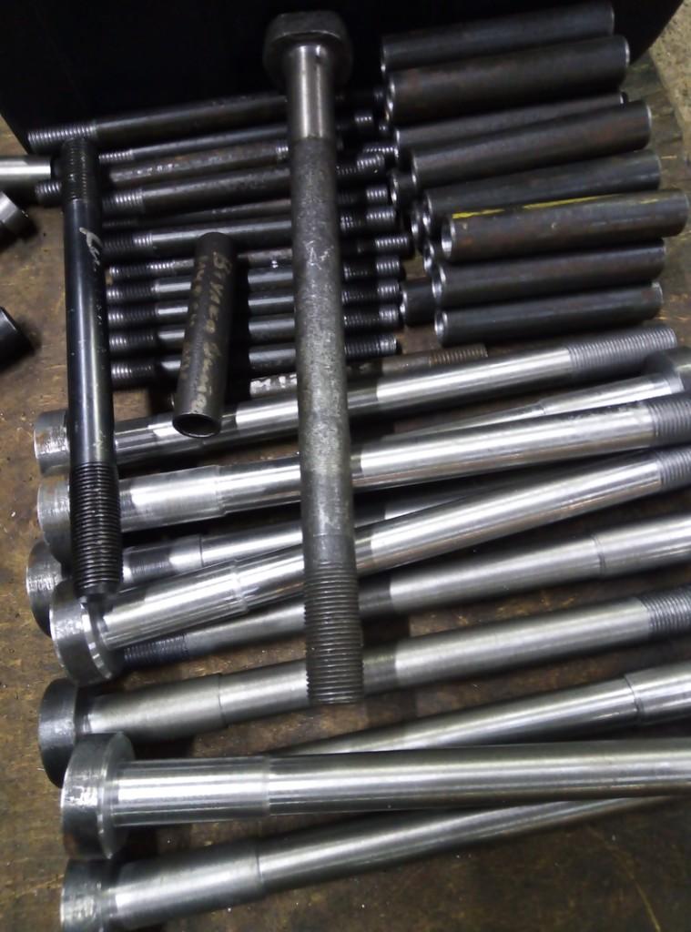 Болт ступицы Т-4, шпилька крепления ГБЦ, втулка муфты сцепления и т.д.